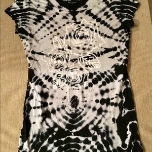 Guess jeans B/W tie-dye t-shirt bedazzled